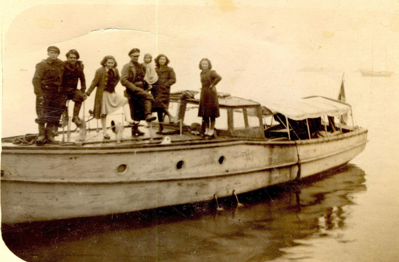 Lexar:ΕΛΑΝ ΜΙΚΡΕΣ ΦΩΤ:Σοφιανός, σκάφος του ΕΛΑΝ:ΕΛΑΝ 1944, Σοφιανός.jpg