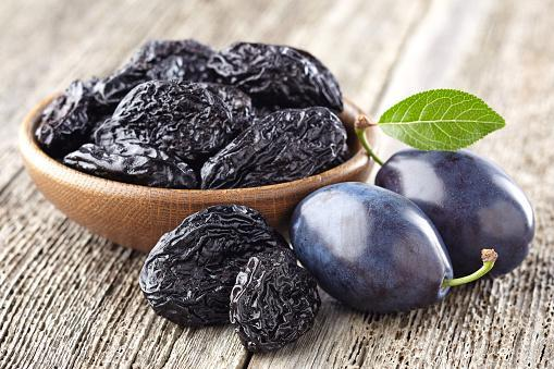 https://media.istockphoto.com/photos/plum-with-prunes-picture-id600154290?b=1&k=6&m=600154290&s=170667a&w=0&h=YcVrrnmNWkxB0Gtm__98LcvyoS-Ji9oQCjqRdHlFgbw=
