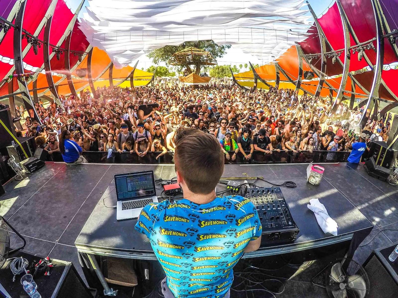 Iznajmljivanje DJ-a