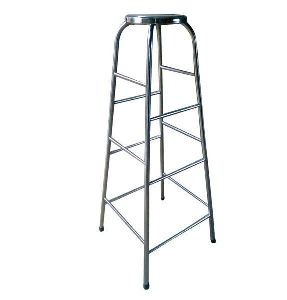 Ghế inox cao có giá thành rẻ hơn những chiếc thang thông thường rất nhiều