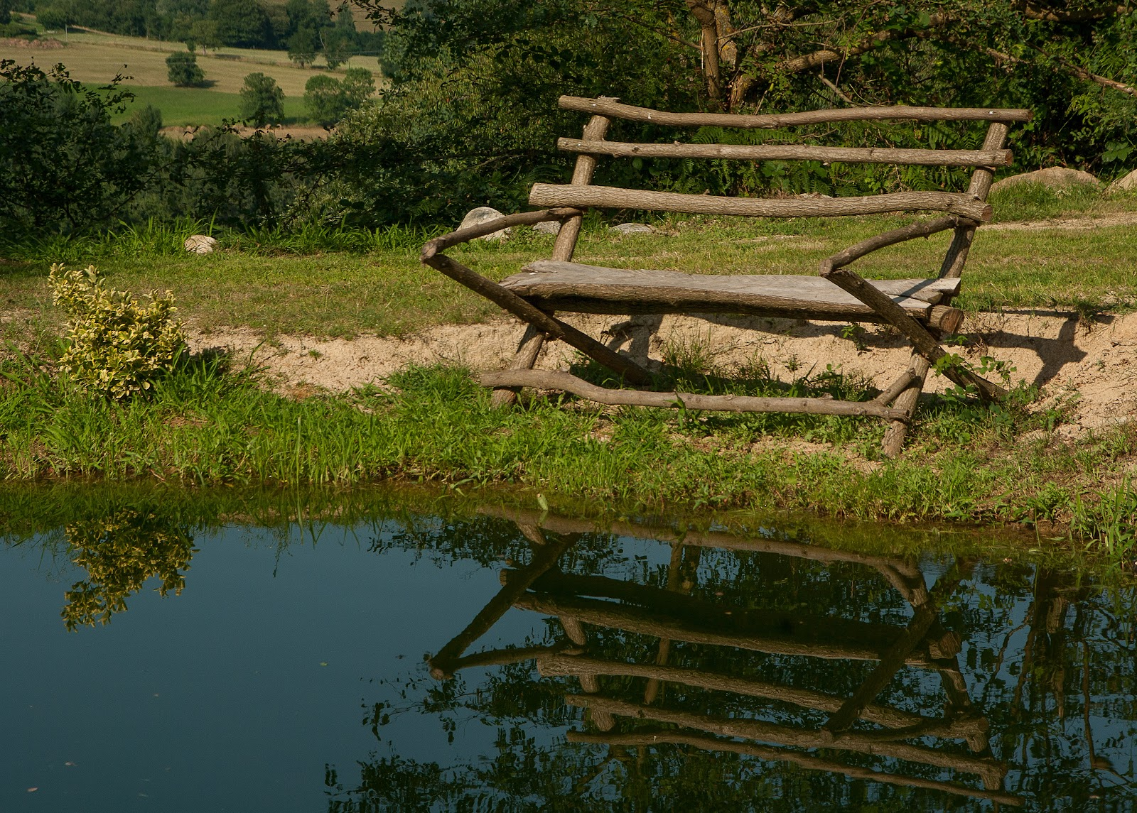 lake-bench-reflections-nature-158296.jpeg