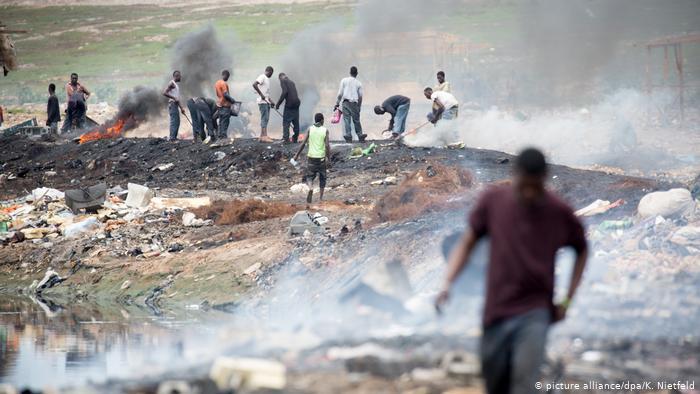 Електросміття на смітнику в Гані