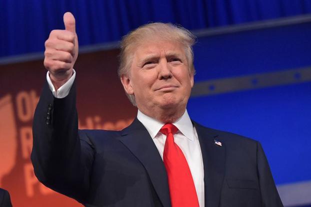 016年11月8日,美国共和党总统候选人川普以大幅领先票数,力压另一位候选人希拉里,当选美国第45届