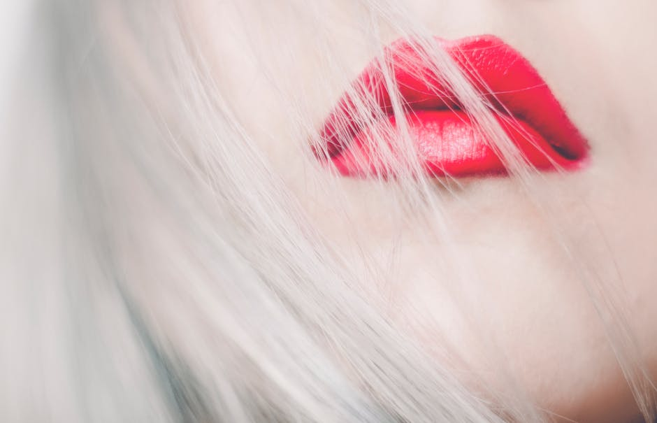 red lips beauty trend