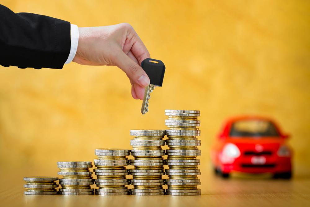 Cobrança de impostos atrapalha o barateamento dos veículos elétricos no Brasil. (Fonte: Shutterstock/Watchara Ritjan/Reprodução)