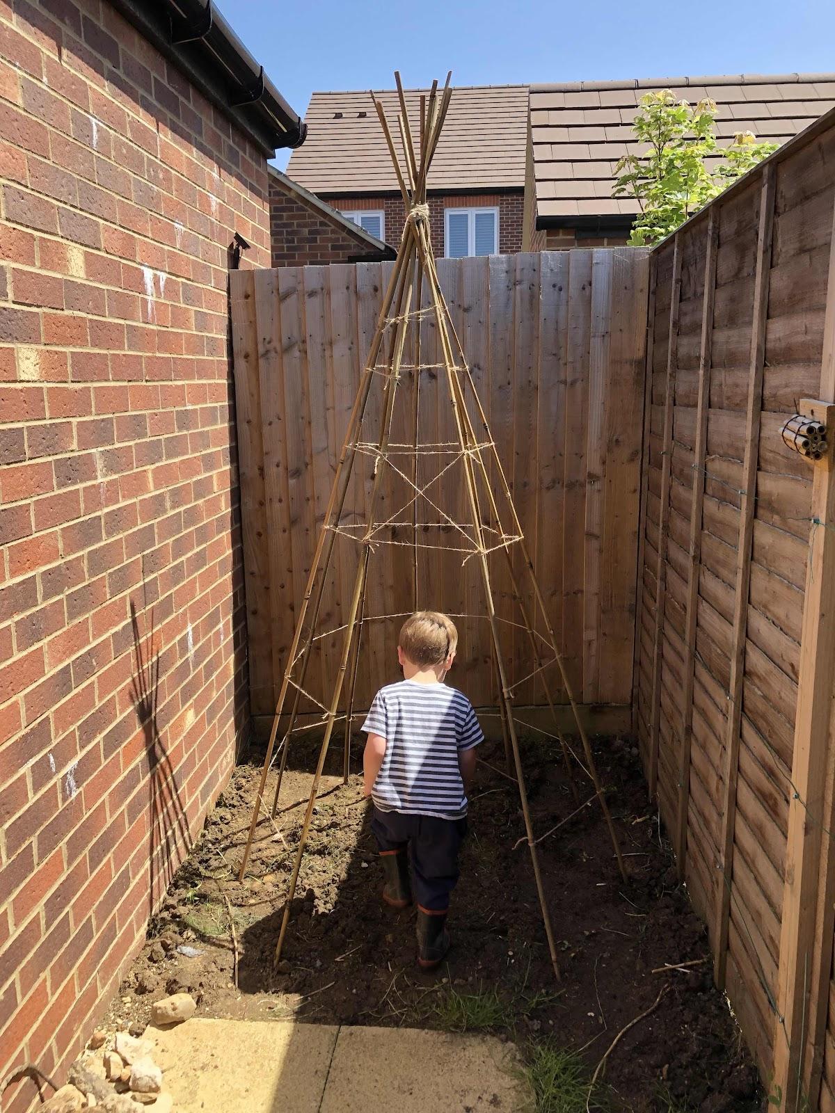 Kids garden teepee