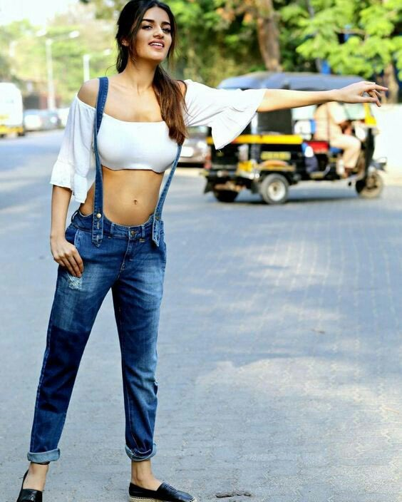 Niddhi Agerwal latest photo gallery Navel Queens