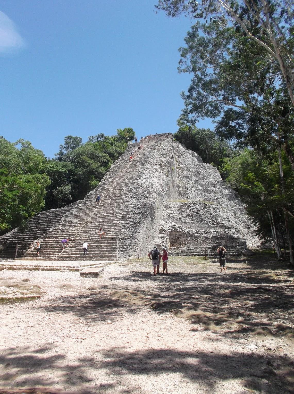 """La pirámide desde """"lejos"""""""