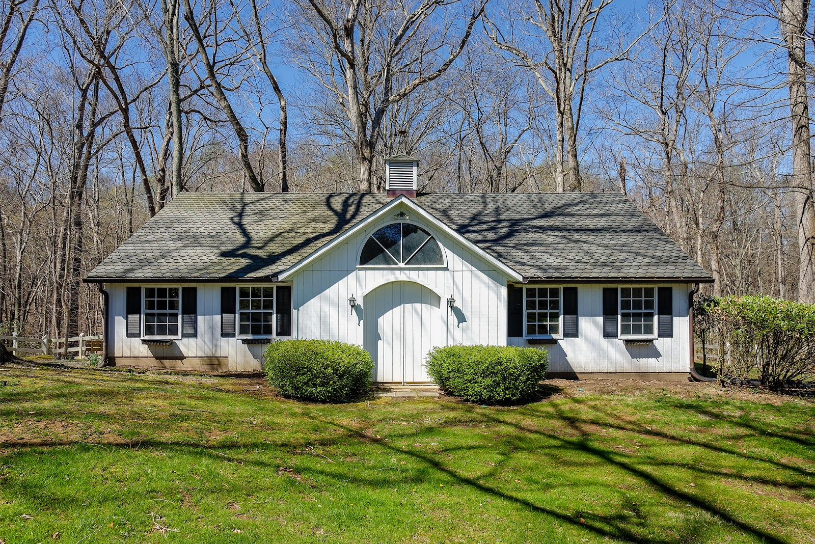 100 INTERPROMONTORY RD, GREAT FALLS, VA 22066