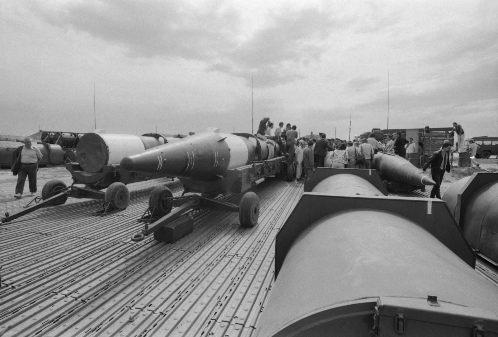 Подготовка к ликвидации первой партии ракет ОТР-22 «Темп-С» на полигоне Сарыозек