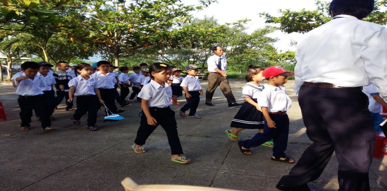 Hân hoan đón chào 31 em học sinh lớp 1