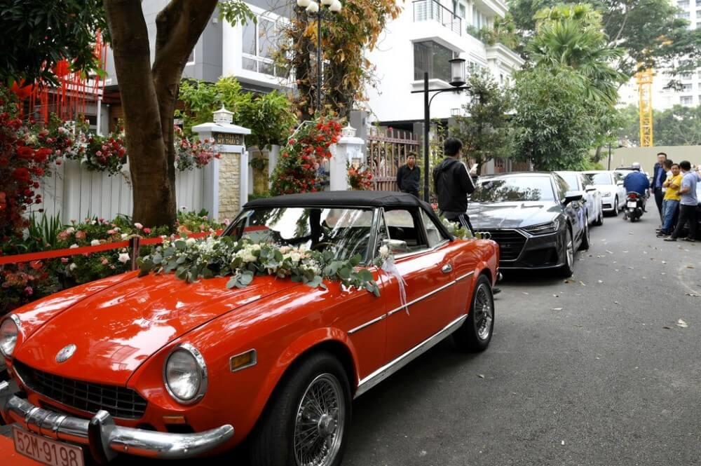 Thuê xe cưới rước dâu TPHCM loại cổ điển, xe bọ cổ