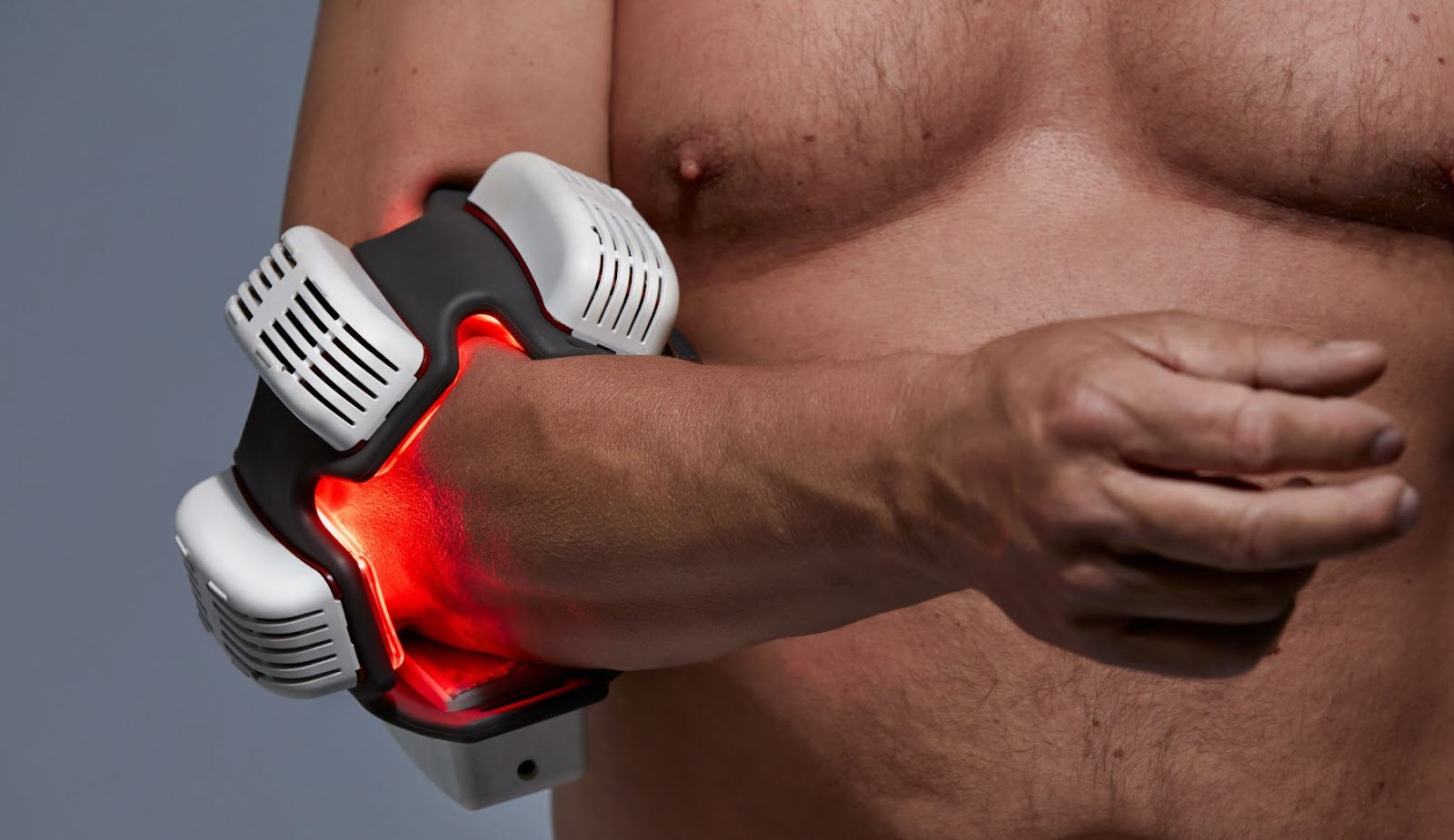 red-light-therapy-flexbeam-on-elbow