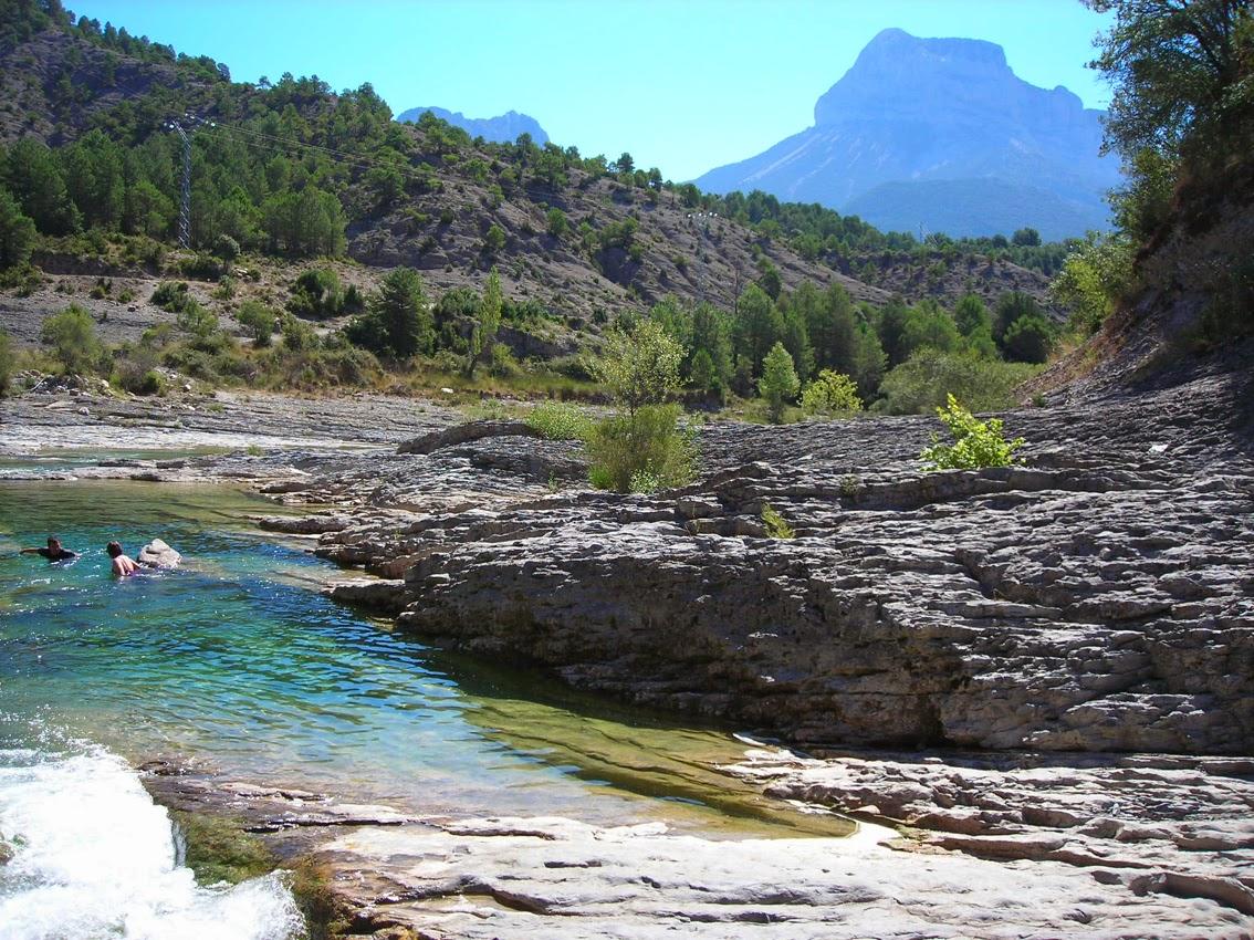 Poza de Puyarruego en el río Besós, Huesca