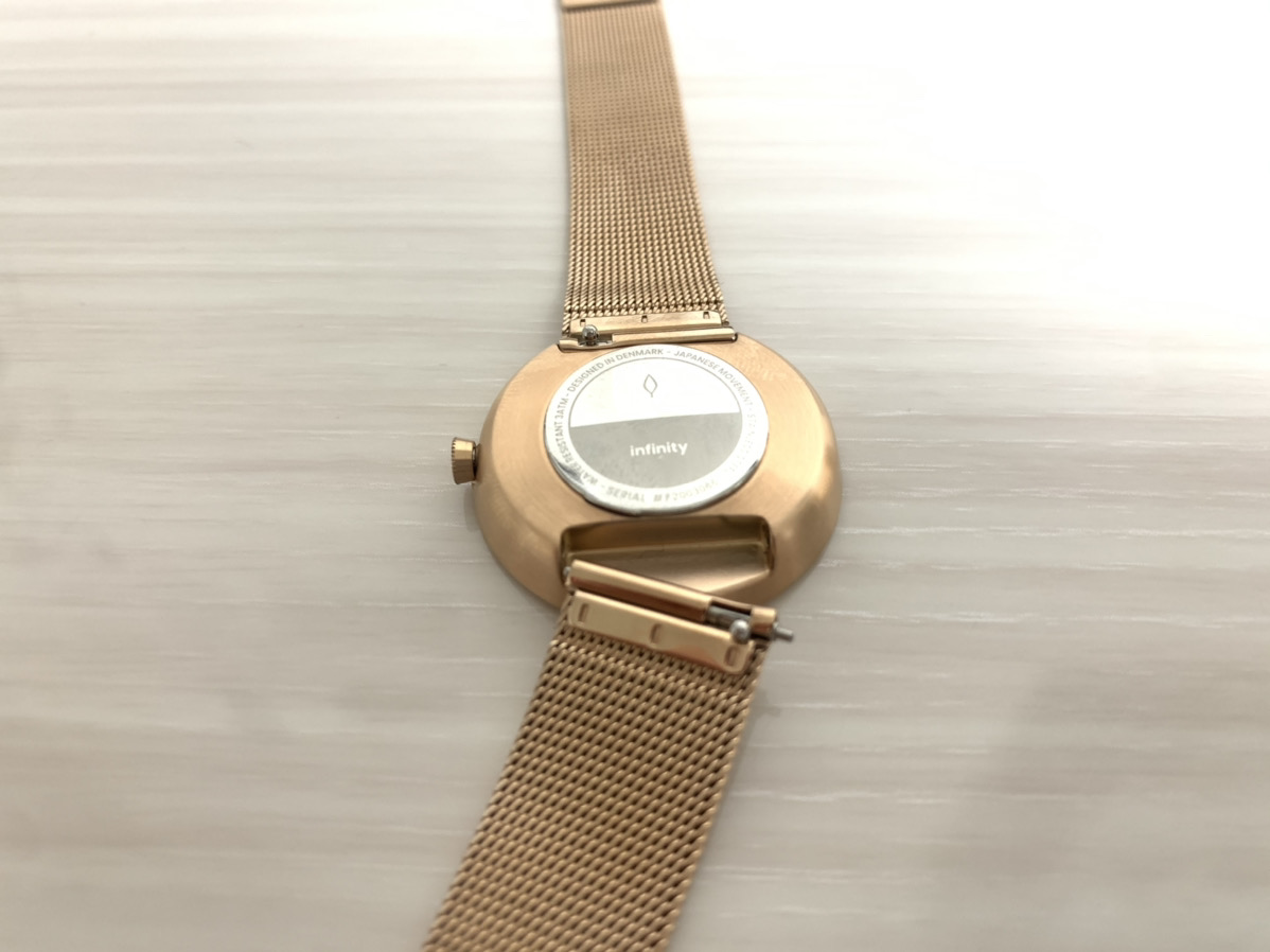 Nordgreen(ノードグリーン)の時計、ストラップ外し写真(レビュー)
