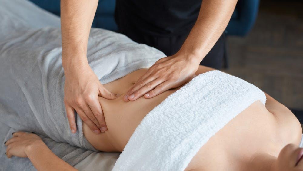 Giảm béo bụng dưới bằng cách massage bấm huyệt