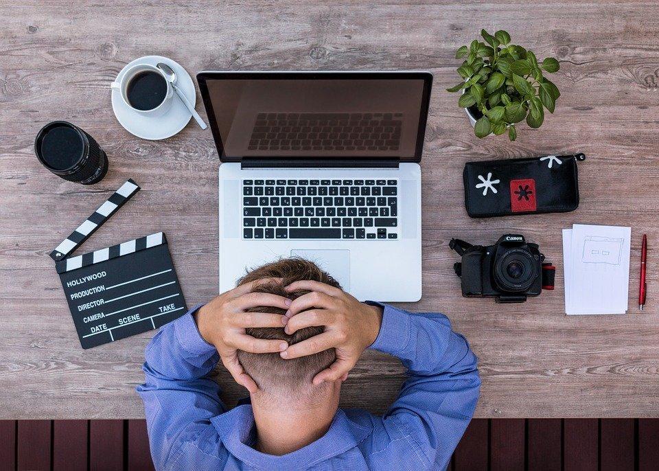 Youtuber, Blogger, Roteirista, Desesperado