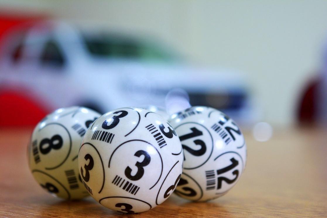 C:\Users\user\Downloads\lottery-3846567_1280.jpg