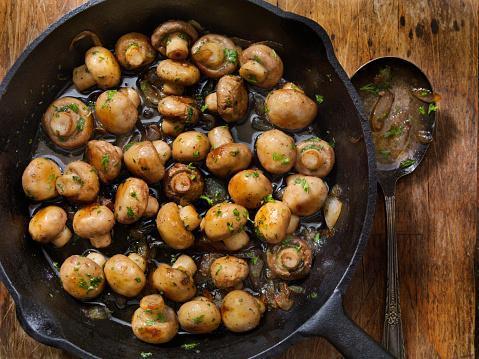 https://media.istockphoto.com/photos/butter-and-garlic-mushrooms-with-onions-picture-id1199747105?b=1&k=6&m=1199747105&s=170667a&w=0&h=-rV8Un6vBk3L_R-QKs-05o_uAurwsbj_0xRZF2hLk8o=