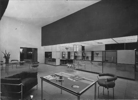 Une image contenant intérieur, plancher, plafond, mur  Description générée automatiquement