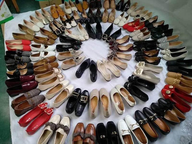 Giá bán sỉ giày dép hiện nay như thế nào – Đắt hay rẻ