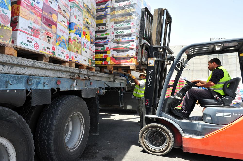 A organização da carga deve evitar danos aos produtos. (Fonte: Shutterstock)