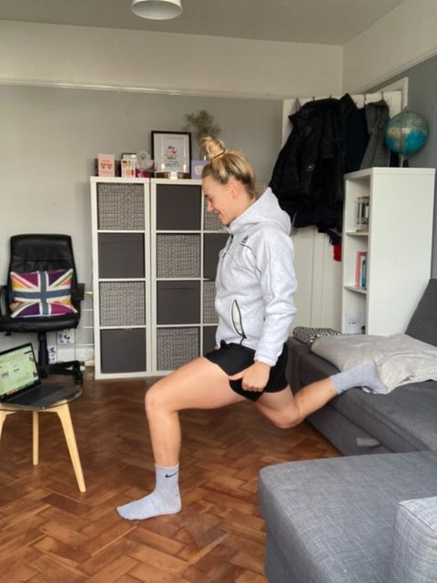 ​​​​​​​England Fly Half Meg Jones providing online training from her home