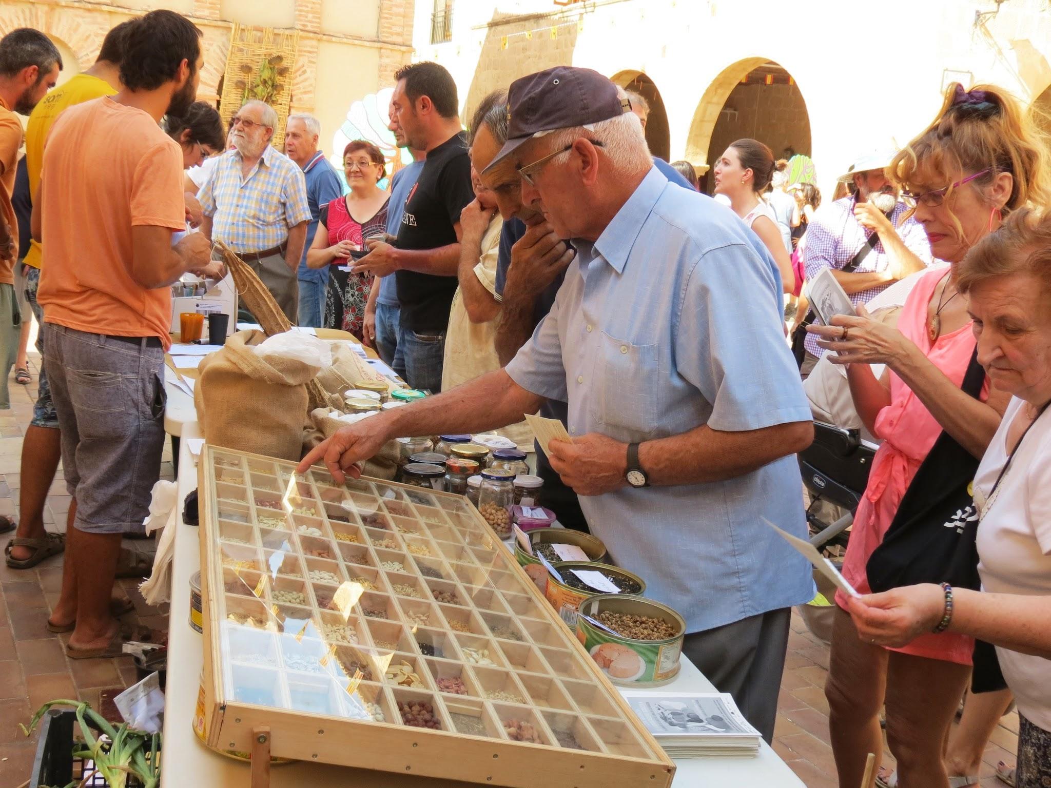 Stand de la Red de Semillas de Aragón en la Feria Aragonesa de la Biodiversidad Agrícola