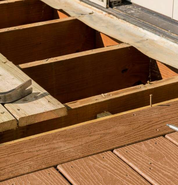 remove decking boards with striiped screws