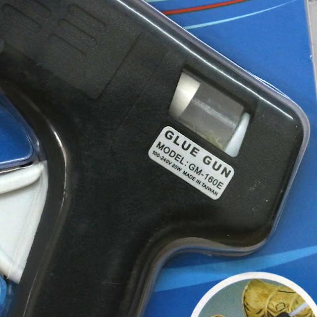 Súng bắn keo GM-160E sử dụng để trang trí trên các đồ thủ công