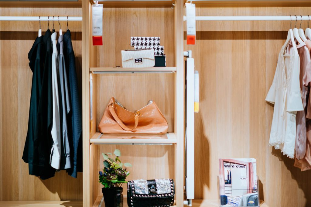 clean maximize closet space