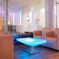mesa-de-luz-led-rgb-recargable-studio.jpg