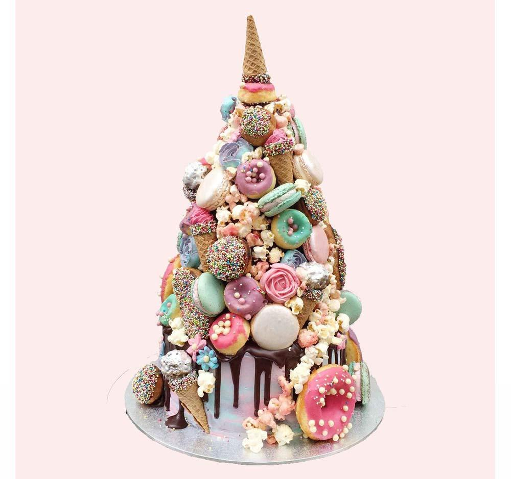 horn of the unicorn chocolate wedding cake