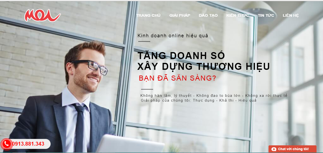 Ví dụ giao diện website của Học viện MOA