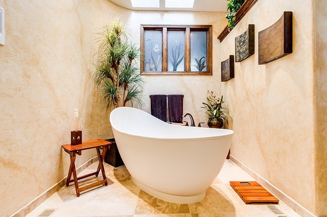 A sample bath decor in a vacation rental property