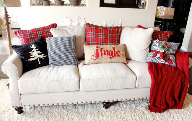 Resultado de imagen para christmas pillows for living room