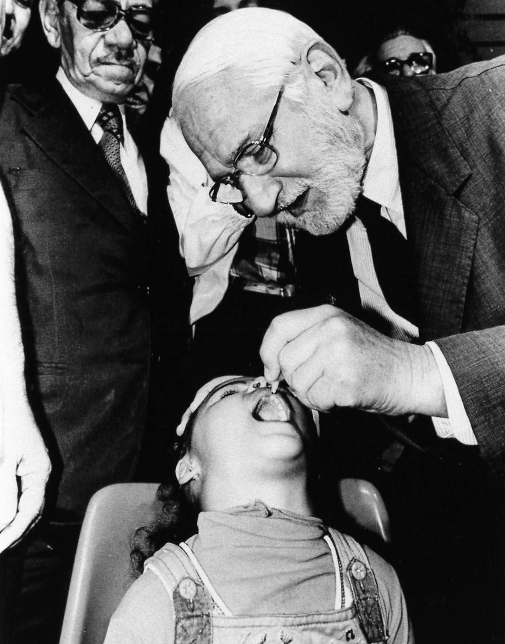 Scatti dal passato della medicina: la poliomielite - La Medicina in uno  Scatto