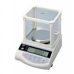 Cân điện tử phân tích được sử dụng trong phòng thí nghiệm