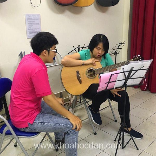 Học đàn Guitar uy tín, chất lượng cao cùng Trung tâm  Âm Nhạc YAM  1