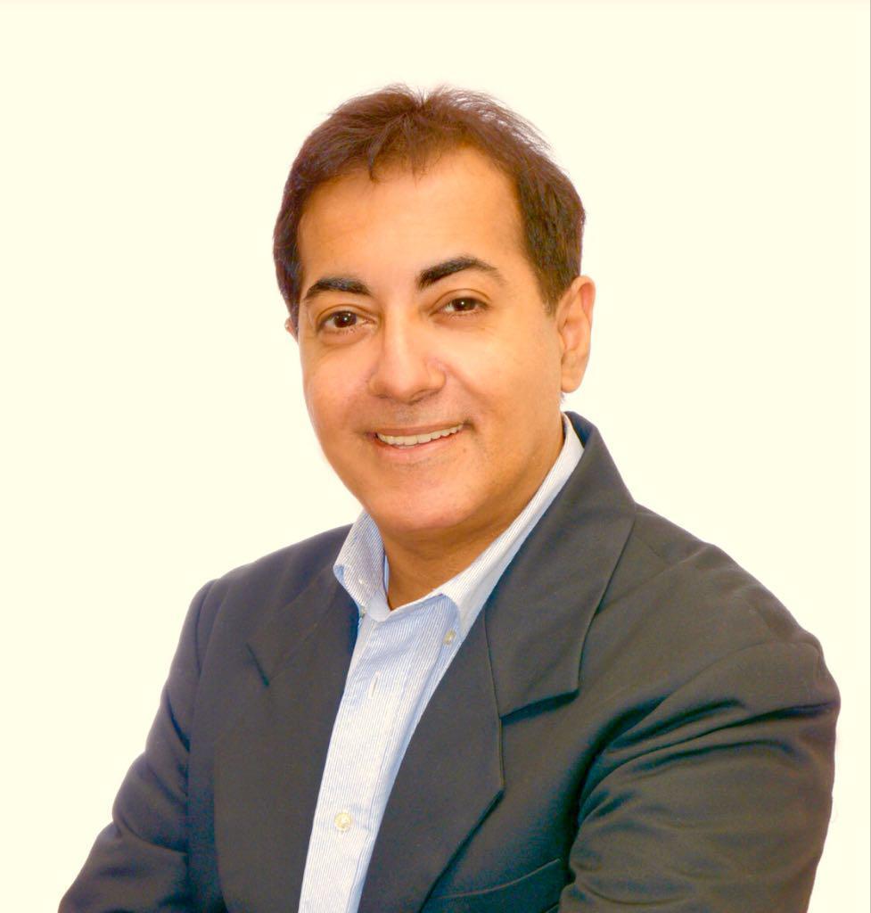 Charles Ram- Giám đốc Sales & marketing & đồng sáng lập CryptoProfile