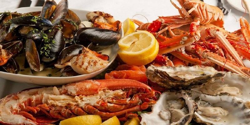 Bỏ túi bí quyết hấp hải sản thơm ngon trọn vị với tủ cơm công nghiệp