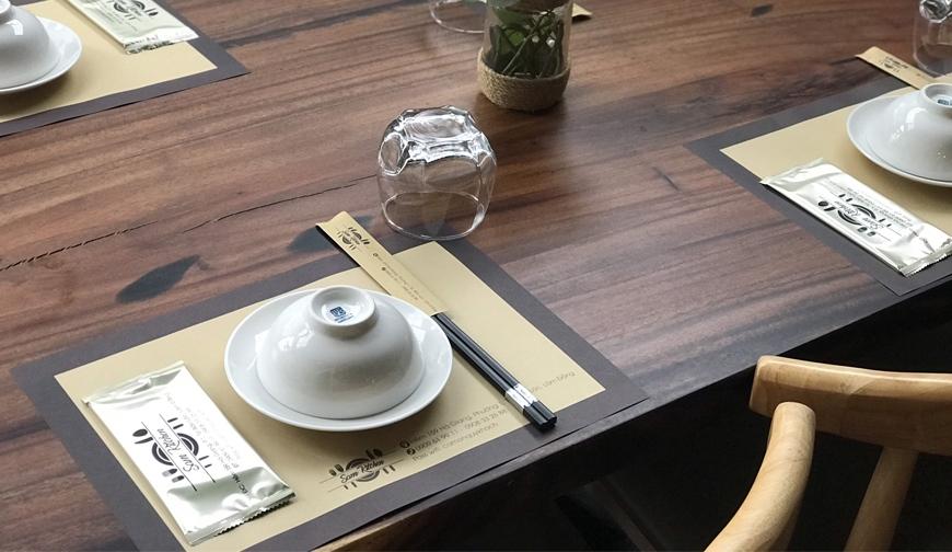 In giấy lót bàn ăn