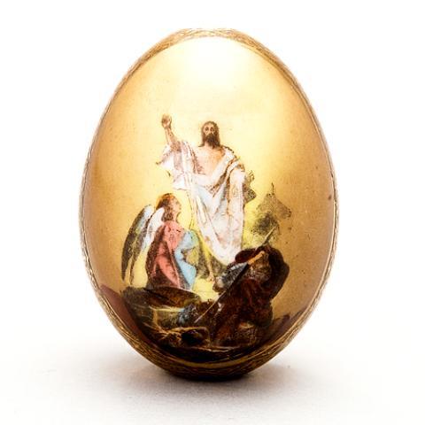 Καλή Ανάσταση με ένα κόκκινο κι ένα σοκολατένιο αυγό! – Eat Dessert First  Greece