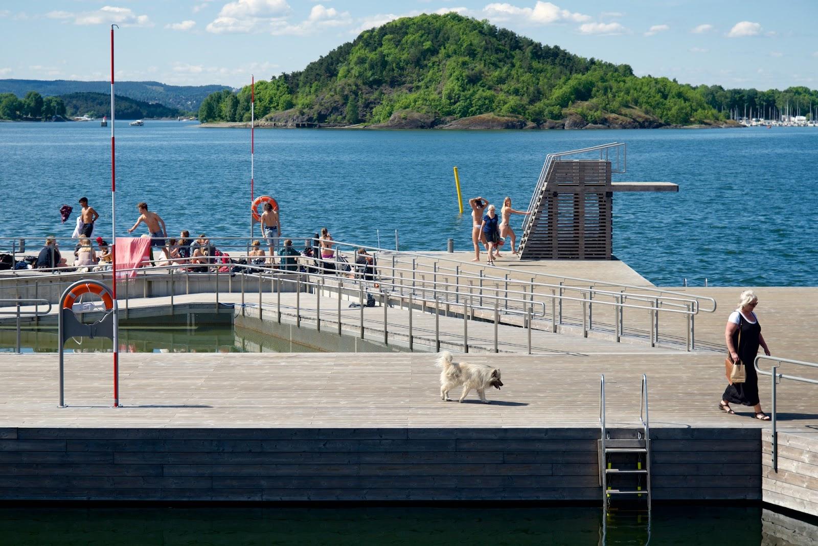 På Sørenga i Oslo har man brukt terrassebord fra Kebony