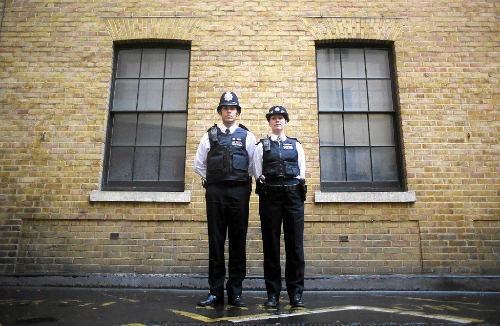 Применение оружия полицией-14