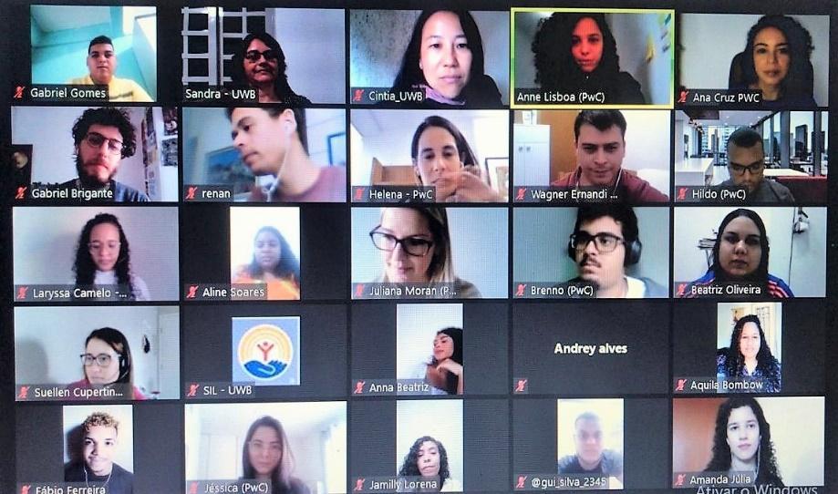 Tela de computador com foto de pessoas  Descrição gerada automaticamente com confiança média