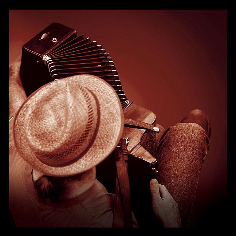 accordeondos1.jpg