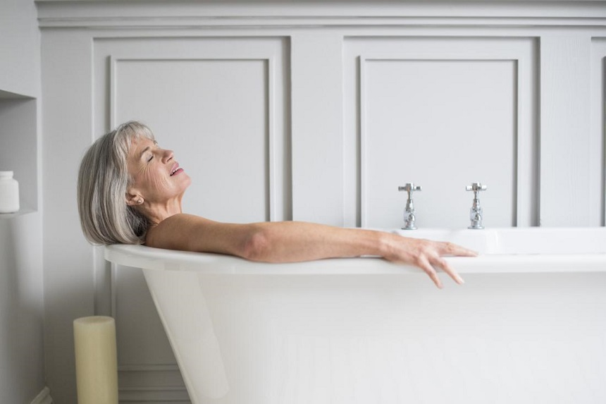 Tắm nước ấm vừa phải để đạt hiệu quả tốt nhất