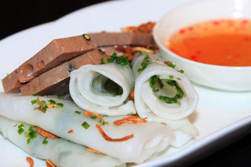 Chả bò Đà Nẵng có thể kết hợp với nhiều món ăn khác nhau