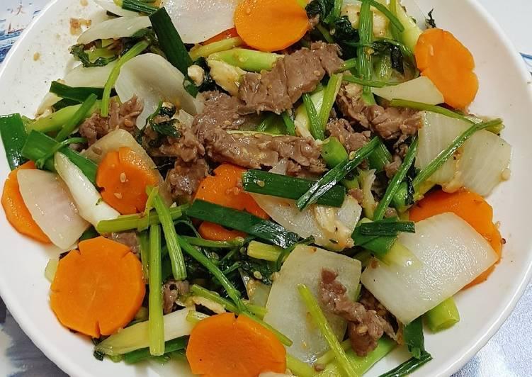 thịt bò xào rau củ
